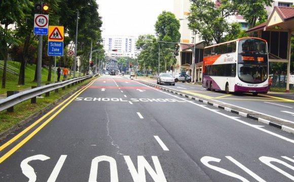 На дорогах Сингапура водитель